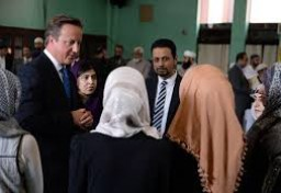 "David Cameron calls for English tests for ""Muslim spouses"""